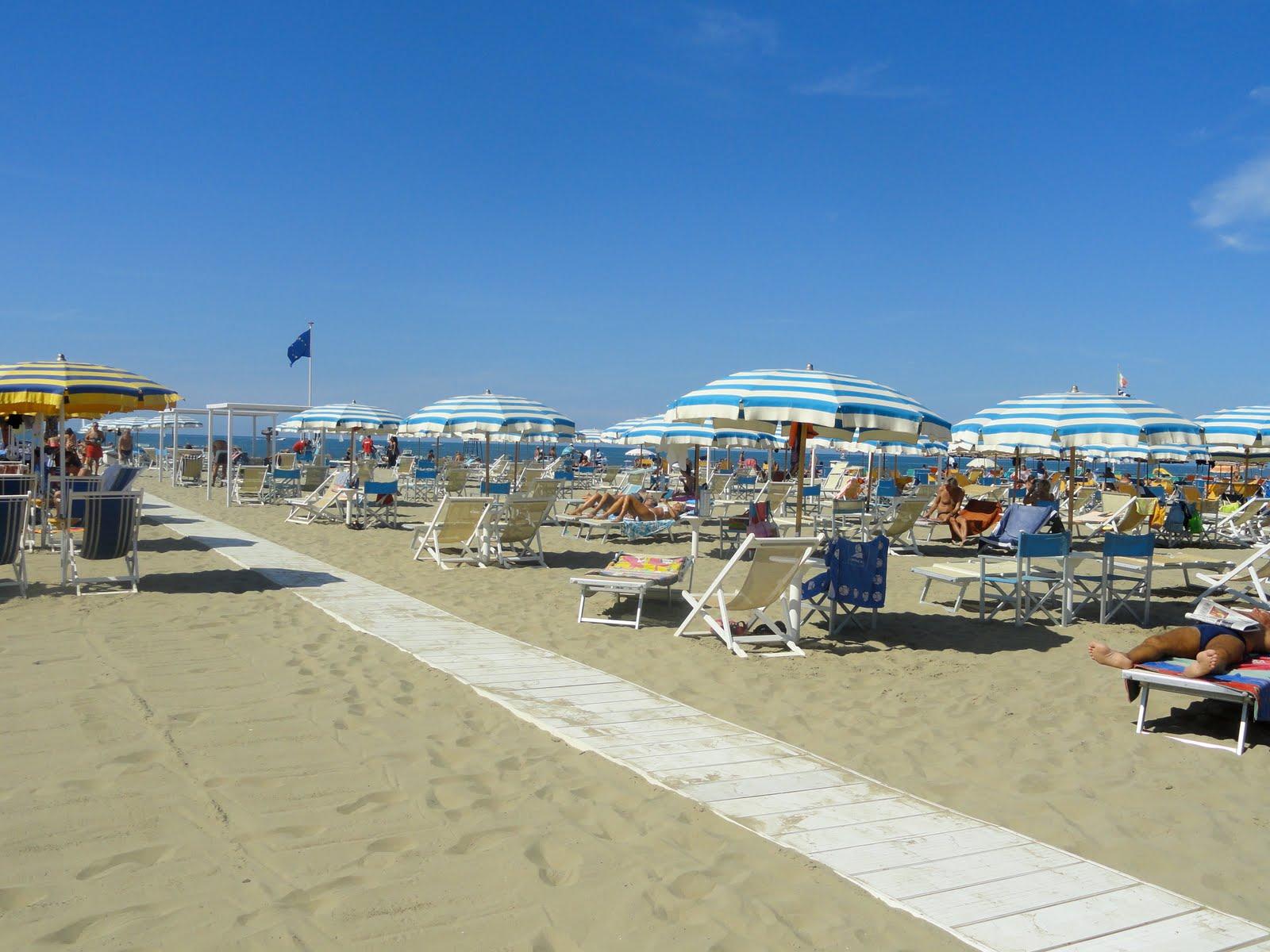 Viareggio Italy  city photo : Italy: Viareggio Beach