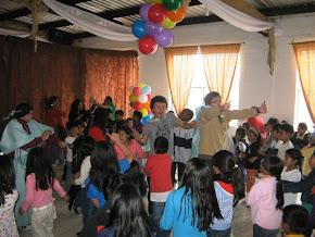 Fiesta de navidad 2010 a los niños del CCFE