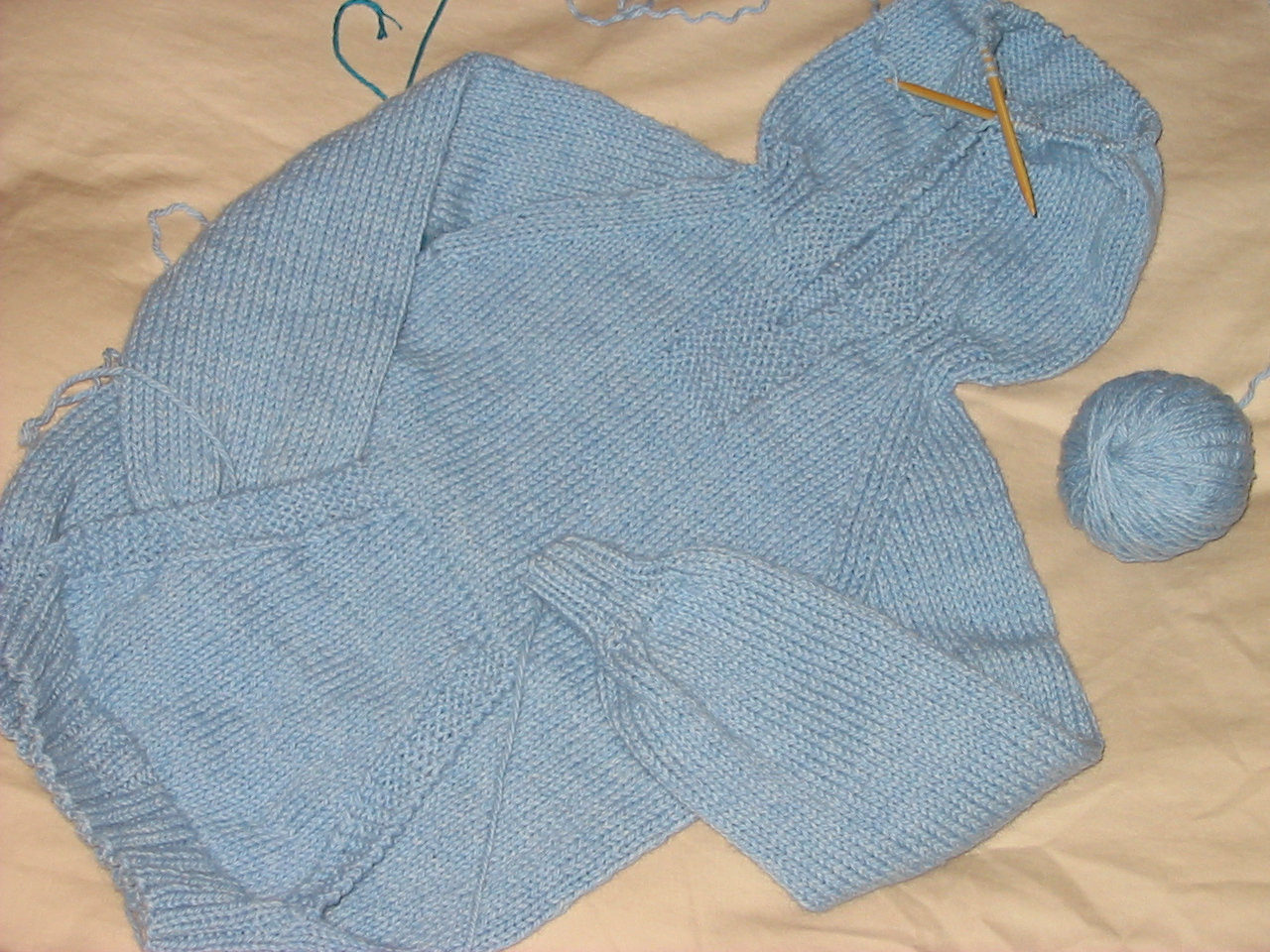Knitting Pattern For Wallaby Sweater : YARN SCRAPS: Zachs Wonderful Wallaby