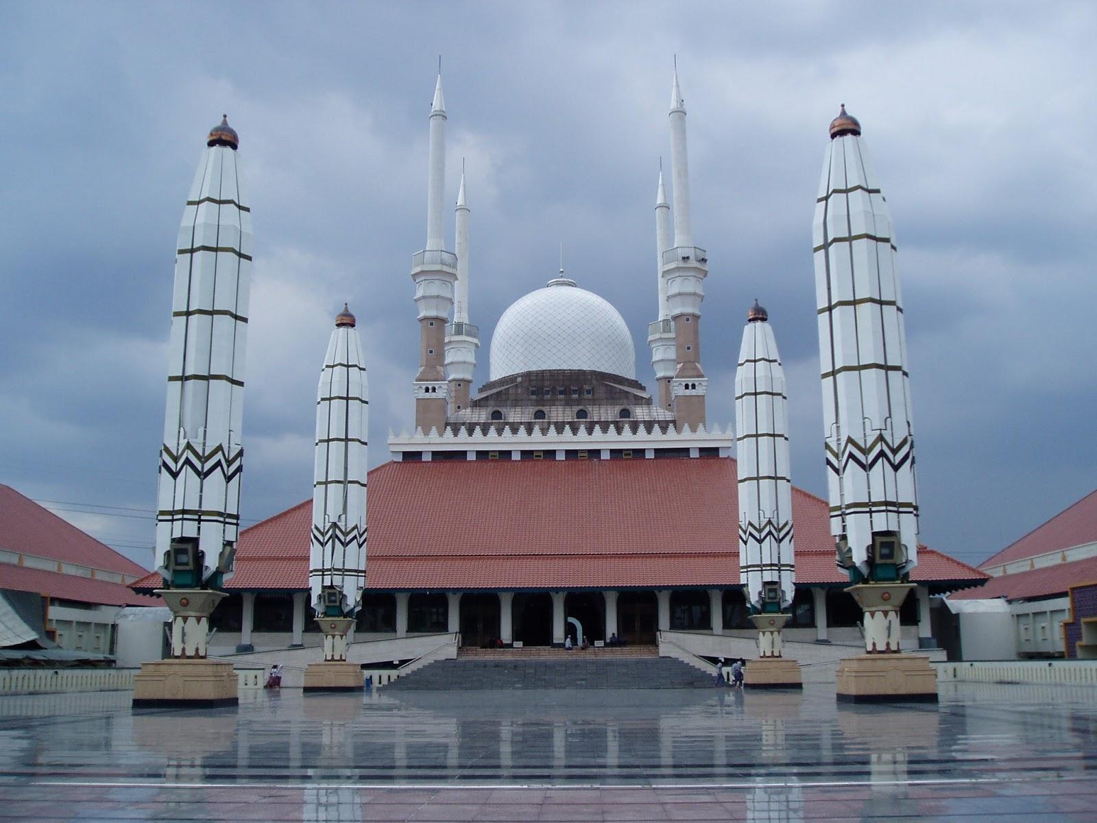 Masjid Agung Jawa Tengah, Masjid yang Penuh Kenangan