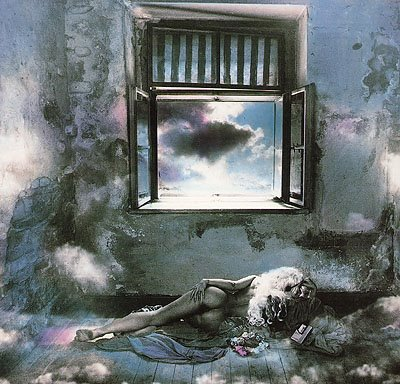 "BALABALA  BAMBALUNA IN THE CLOUDS! (""OLGA IN THE CLOUDS"", ΦΩΤΟΓΡΑΦΟΣ: JAN SAUDEK!)"