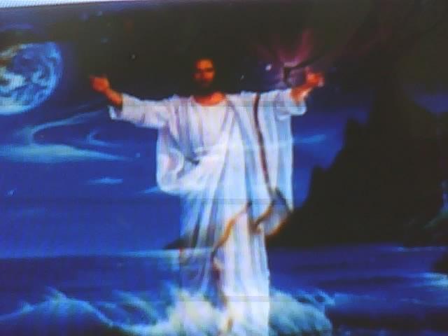 JESUS  ESTÁ  VOLTANDO !