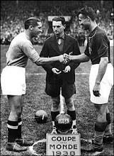 Finala CM 1938 - Giuseppe Meazza ( Italia )si Gyorgy Sarosi ( Ungaria)