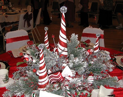 Christmas Table Centerpieces on Quilts Color Santa S Christmas ...