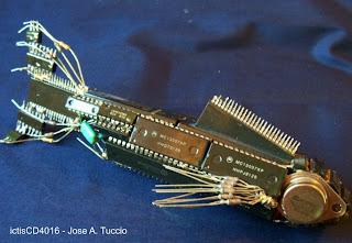 esculturas de chatarra electronica - criaturas marinas -
