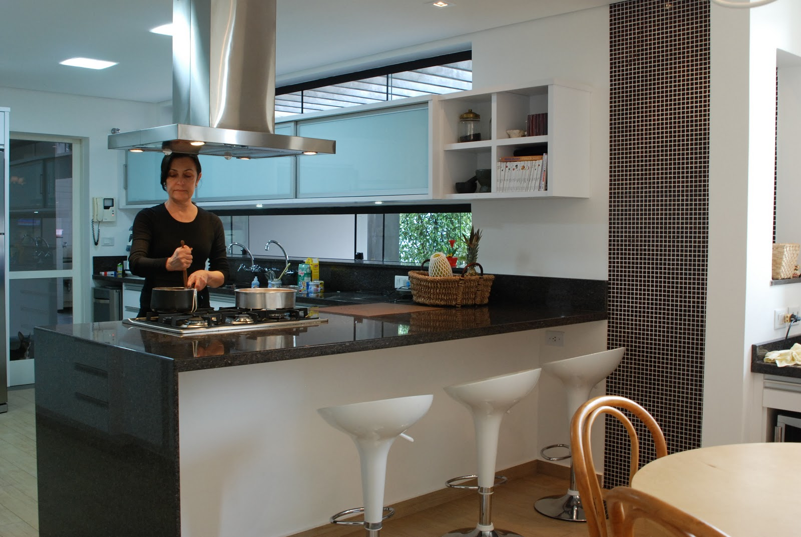 Conversa de Arquiteto: Projeto de uma cozinha e um espaço gourmet #65452C 1600 1074