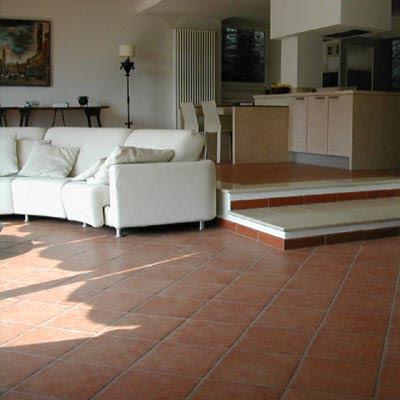 ... arredamento: Come arredare in stile moderno con un pavimento in cotto