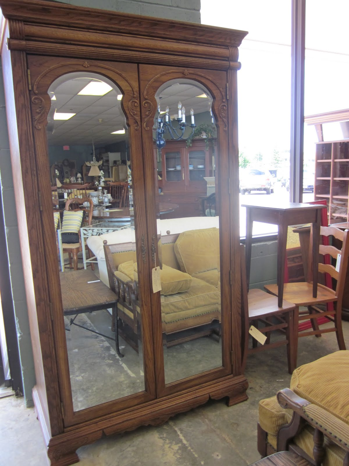Reused Consignment Furniture Reused Furniture Live Auction Wednesday July 28 6 30 Pm