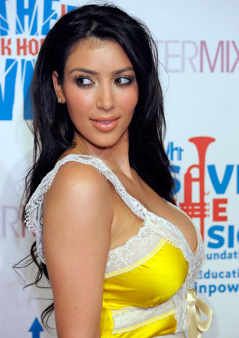 Kim Kardashian sexy photo