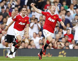 paul scholes celebration, scholes celebration, scholes made goal again fulham, scholes image, scholes photo, manchester united midfielder