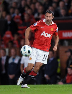 ryan giggs become a coach, ryan giggs manchester united 2010/2011