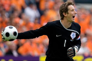 Edwin Van der Sar Goalkeeper Retirement Rumors, van der sar wallpaper, man utd
