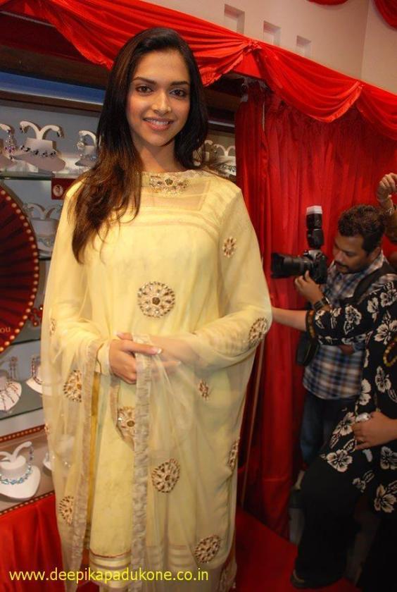 Deepika Padukone sexy pic