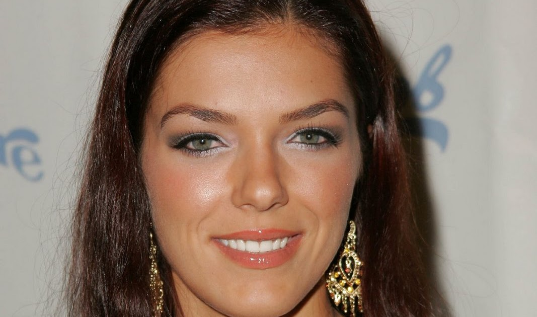 Adrianne Curry - 159 fotos - xHamstercom