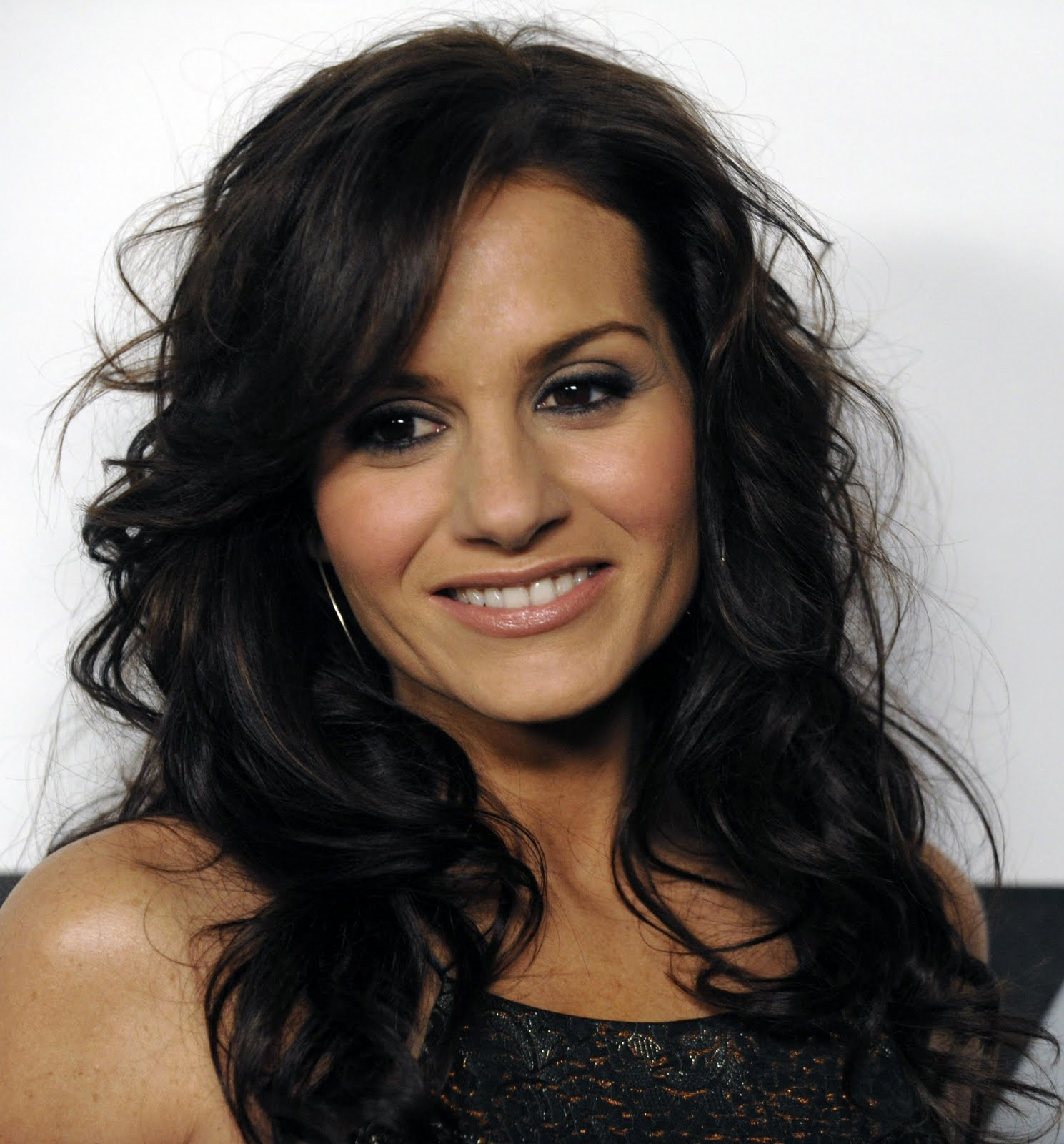 Kara DioGuardi hot picture