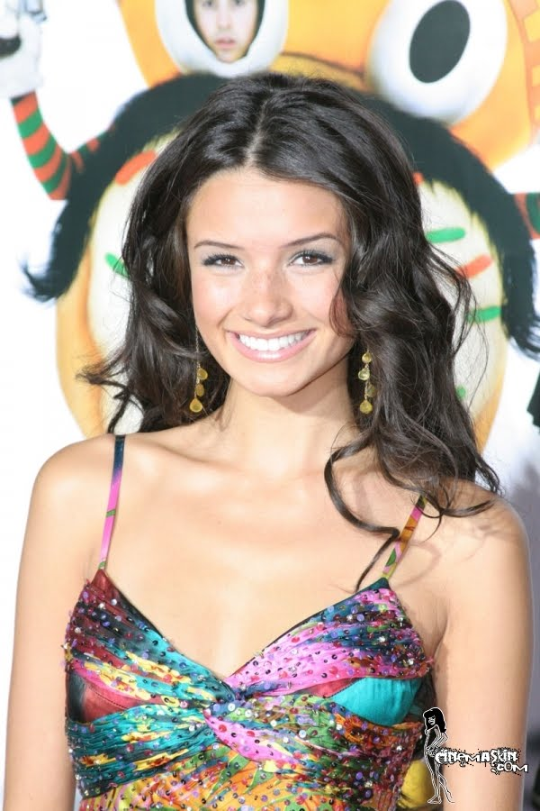 Alice Greczyn hot photo