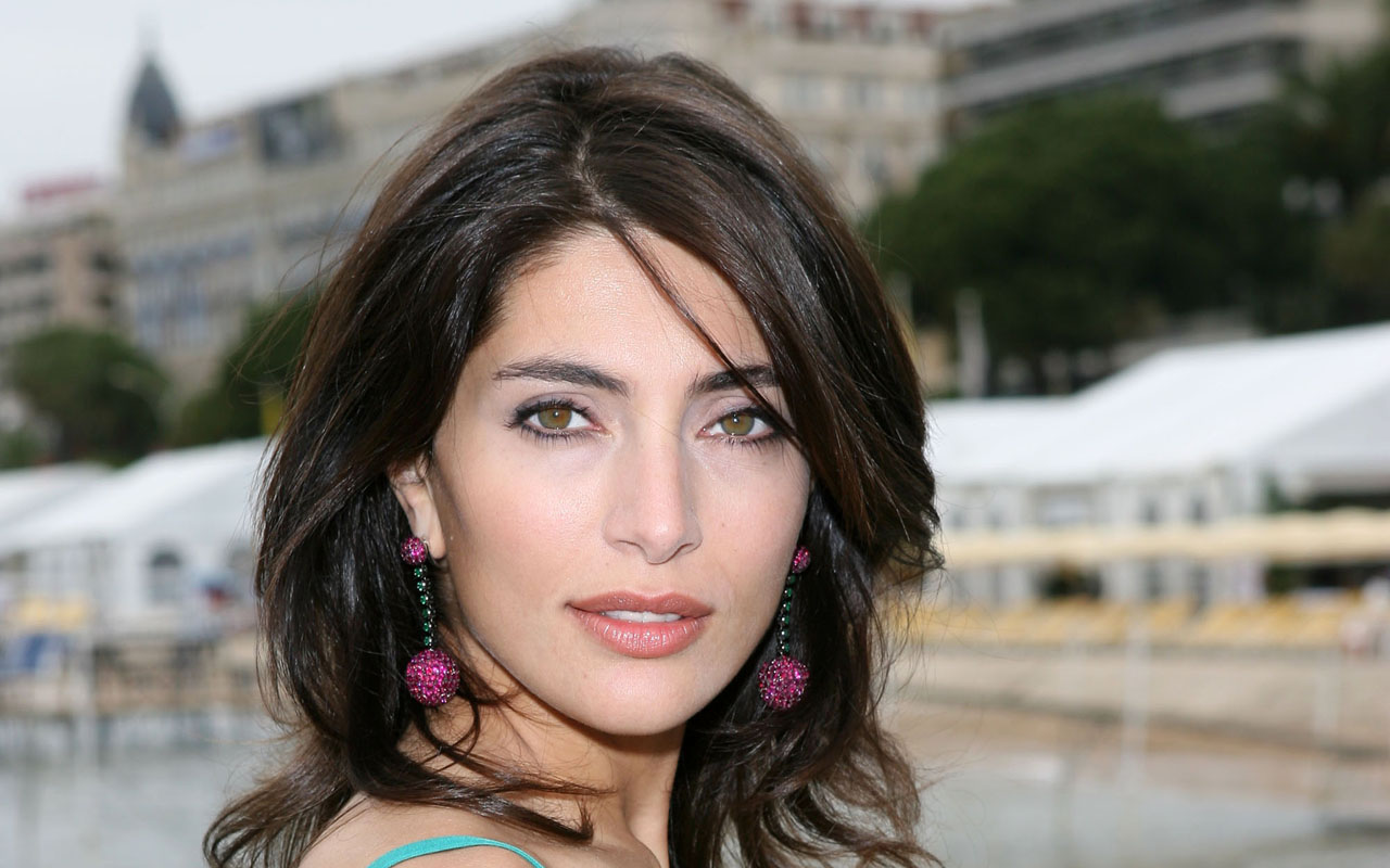 Caterina Murino sexy foto