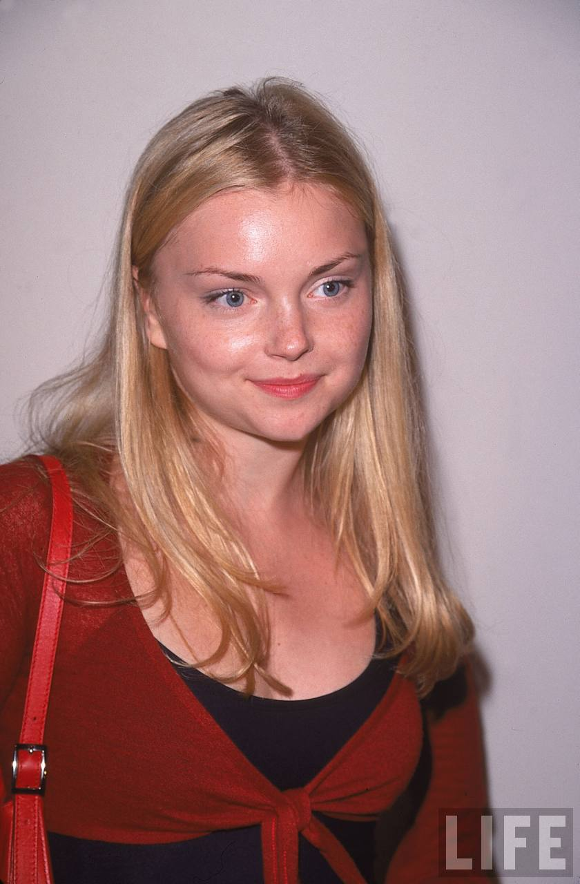 Izabella Miko hot photo