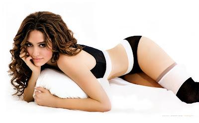 Emmy Rossum Hot Photo