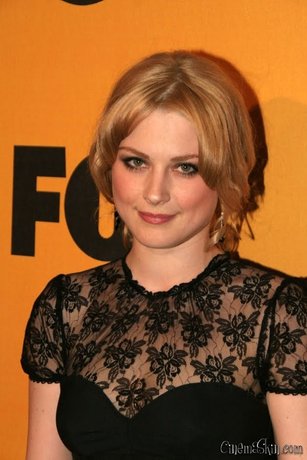 Alexandra Breckenridge Hot Photo