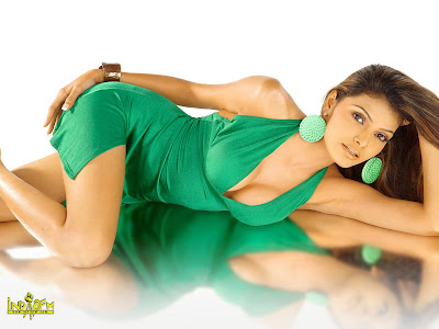 Mona Chopra hot picture