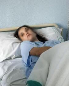 Fotografía de Sara durante su estancia en el hospital