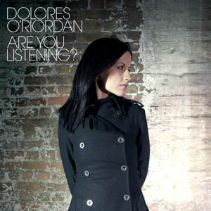 Dolores O'Riordan Hairstyle and Fashion