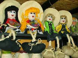 Muñecas de trapo y mecate