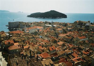 Utsikt over gamlebyen (stari grad). Klikk på bildet for å forstørre!