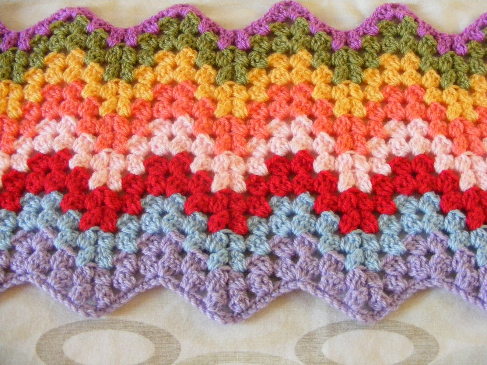 Easy Crochet Ripple Afghan Tutorial : pinkfluffywarrior: Granny ripple.