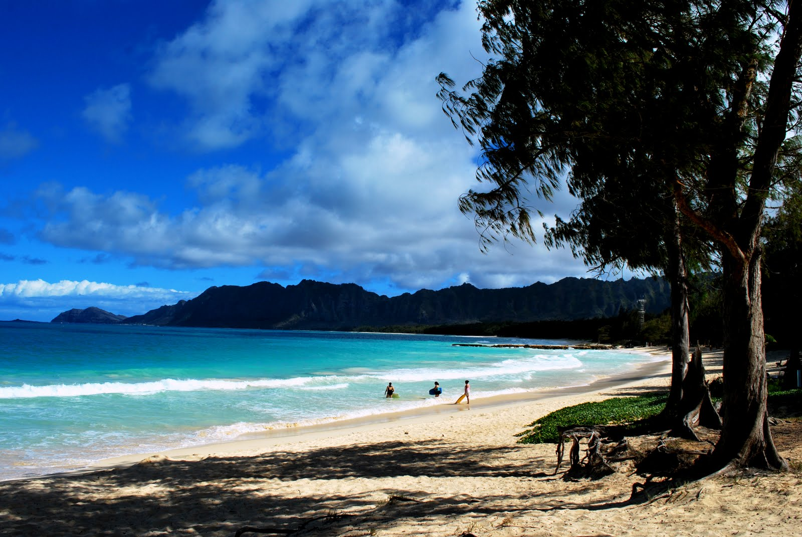 Travelog bellows beach hawaii for Oahu camping cabins