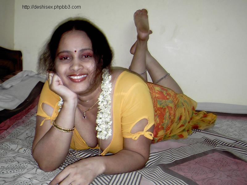 hot hot aunty in honeymoon u will never see