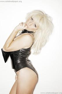 http://1.bp.blogspot.com/_7-9I-IArcX0/TKjS5CZ6TtI/AAAAAAAAByM/pVWkitjwM60/s320/Lady_Gaga_-_Francois_Berthier_Photoshoot_001.jpg