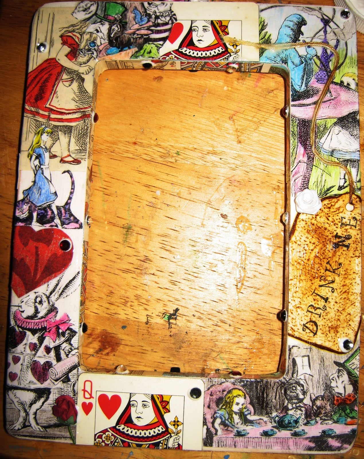 Craft brat alice in wonderland decoupage frame alice in wonderland decoupage frame jeuxipadfo Image collections