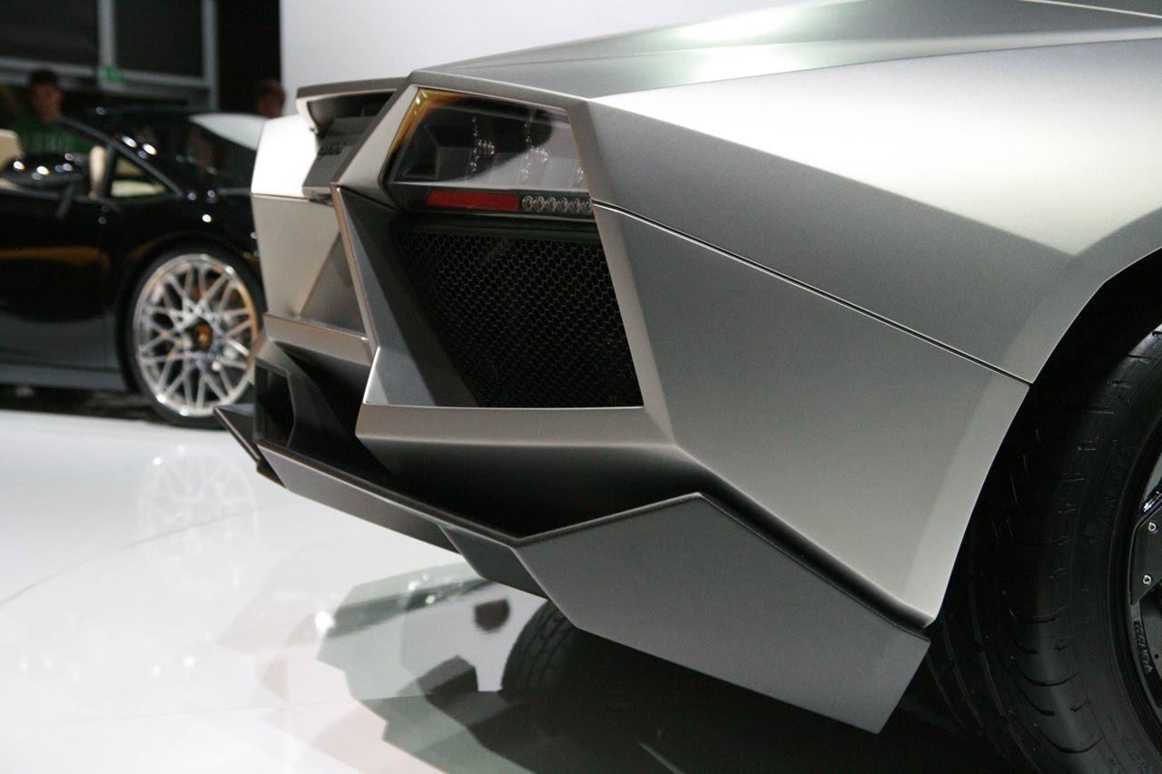 http://1.bp.blogspot.com/_71VYESfu88A/SwiOwi783UI/AAAAAAAABXo/8JVDNXNrRFQ/s1600/11-reventon-roadster-live.jpg
