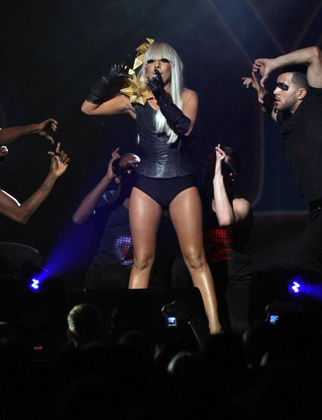 lady gaga perform
