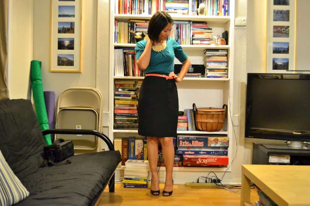 office fashion blogger the new professional angeline evans limited top banana republic necklace swapped black pencil skirt enzo angiolini peep-toe pumps