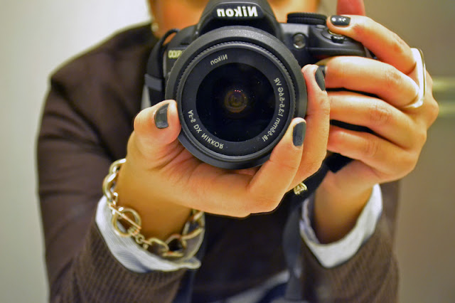 office fashion blogger angeline evans the new professional nikon D3100 urban outfitters ring forever 21 bracelet gray nails