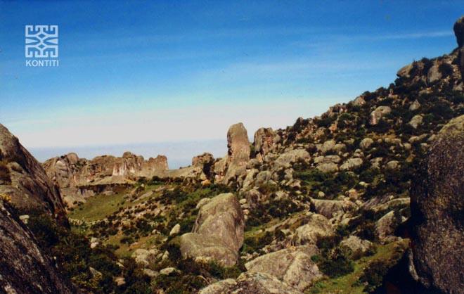 Lecho de antigua laguna sobre Marcahuasi.