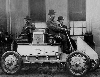 Первый гибридный автомобиль