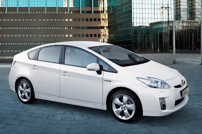 Гибридное авто Toyota Prius III