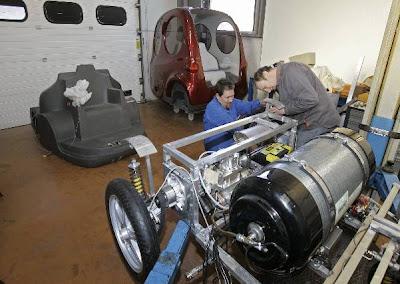 Автомобиль на сжатом воздухе AirPod