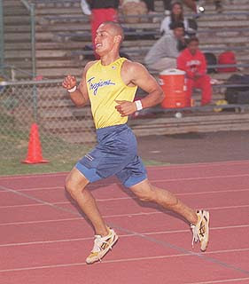 PHILLIES' OUTFIELDER SHANE VICTORINO SHINES ON THE TRACK AS A SENIOR IN 1999 AT ST.ANTHONY HIGH SCHOOL, WAILUKU, MAUI, HAWAII.MAUI NEWS PHOTO