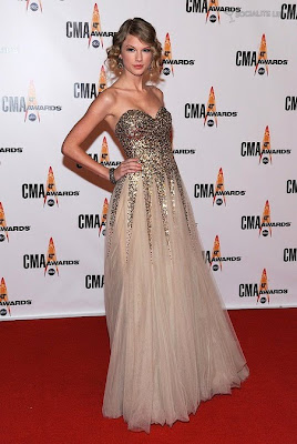 Taylor Swift - CMA Entertainer of the Year 2009