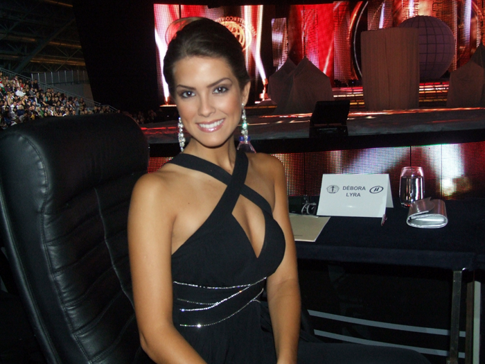 ☻♠☼ Galeria de Debora Lyra, Miss Brasil Universo 2010, Top Model of the World 2009, Miss Multiverse 2013.☻♠☼ - Página 5 MISS-INT-2009-FINALE+115