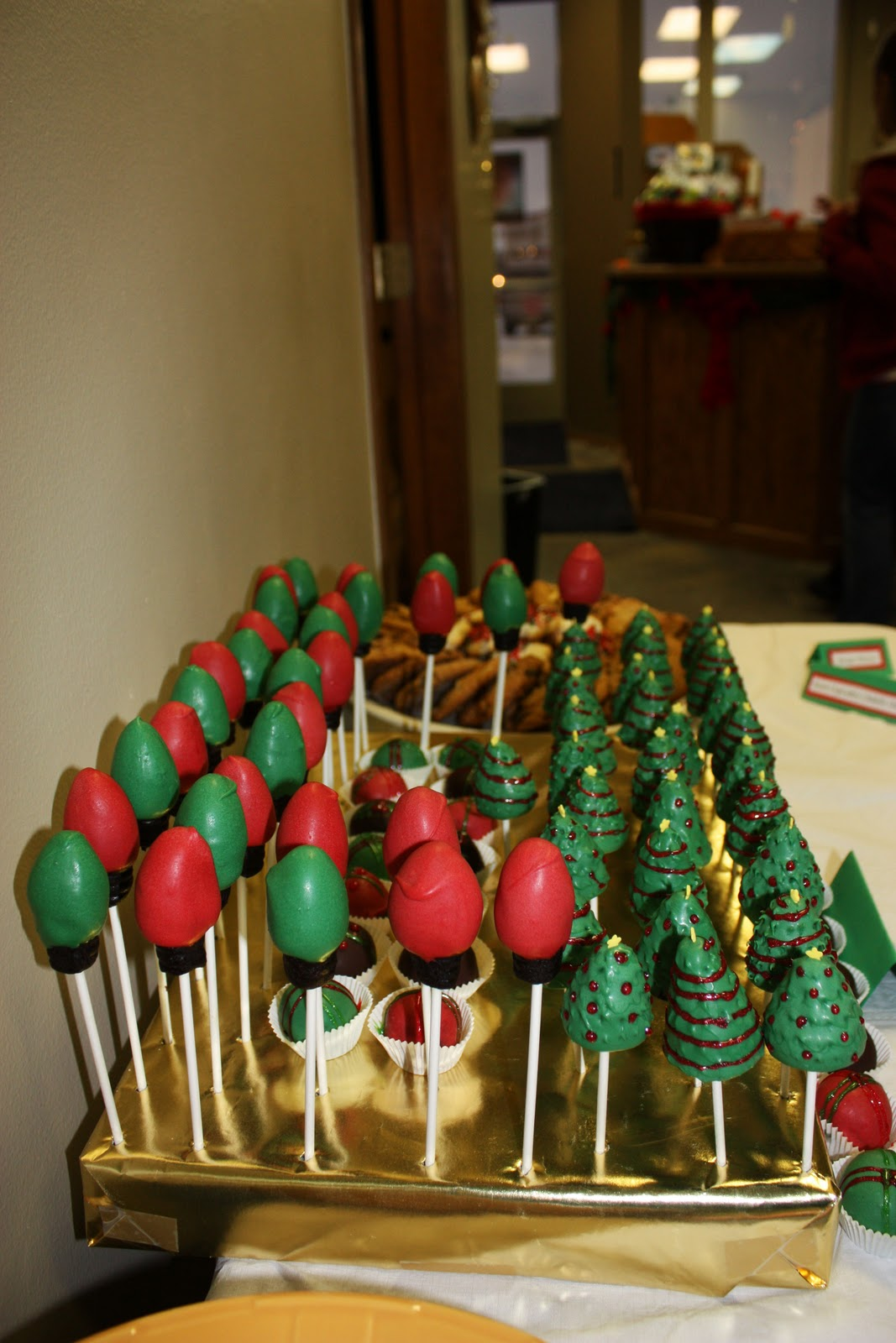artificially sweetened by dee christmas cake pops