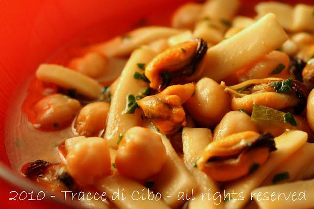 cozze, sagne, pasta,ceci, minestra