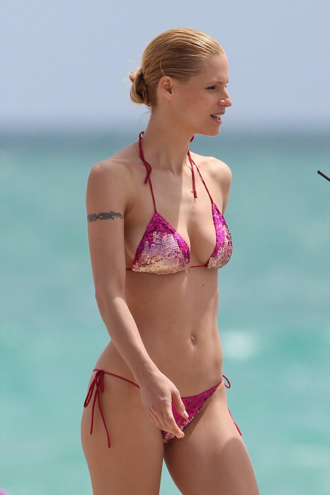http://1.bp.blogspot.com/_775ESC4svi8/TSkjXR059LI/AAAAAAAAA4I/tL6hZV3B4HI/s1600/michelle-hunziker-bikini-2-03.jpg