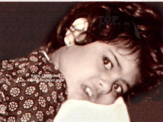 kajol lying in her mother`s shoulder: topchild.blogspot.com Indian top stars childhood teen age and marriage photos