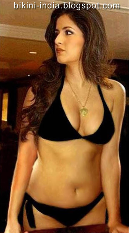 indian bollywood actress in bikini